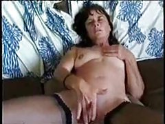 Mom masturbating as he films tubes