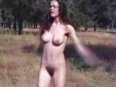 Girl does a funny naked dance outdoors tubes