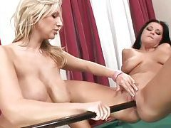 Girls use a pool cue to fuck pussies tubes