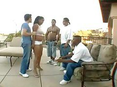 Black chick shakes her ass outdoors for dudes tubes