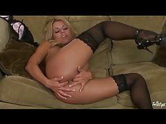 Nicole Graves in beautiful stockings masturbates tubes
