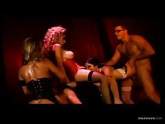 An orgy with sexy burlesque beauties tubes