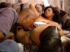 Horny black BBW chick in leather boots blowjob tubes