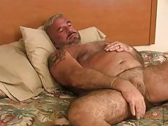 Daddy Felice Jerks Off His Cock tubes