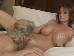 Milfs take turns eating pussy tubes