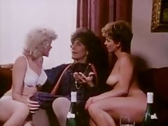 Retro lesbian sex and erotic threesome tubes