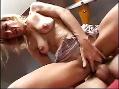 Having double penetration sex with mature slut tubes