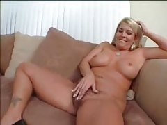 Chubby girl turns on the black guy with her body tubes