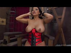 Big ass babe in corset sits on his face tubes