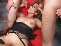 Mature with cumshots all over her face tubes