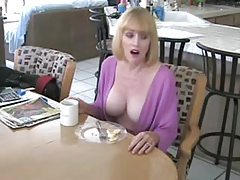 He fucks his mature housewife in kitchen tubes