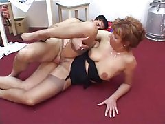 Pretty mature in lingerie laid by hard cock tubes
