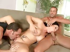 Voluptuous tattooed hottie enjoys two big dicks tubes