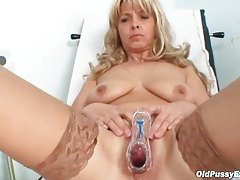 Mature girl in stockings sees her doctor tubes