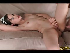 Pretty brunette enjoys getting her ass fucked tubes