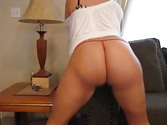 Big butt babe shakes her mouth watering butt tubes