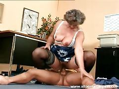 Granny gives up the pussy to younger man tubes