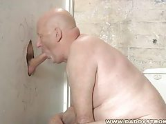 Gloryhole Suck And Jerk tubes