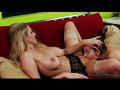 Foxy young brunette goes down on Julia Ann tubes