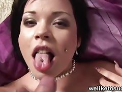 Gothic chick blowing cock tubes
