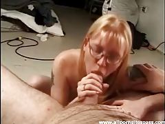 Homely amateur minx with glasses smothering dick tubes