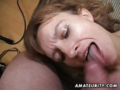 Amateur Milf gets her ass and pussy toyed with facial cumshot tube