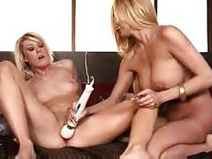 Lesbians whip out the big strapon to have some fun tubes