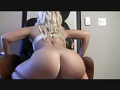 Lovely blonde has a big sexy ass tubes