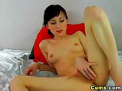 Babe Love to play her Dildo HD tubes