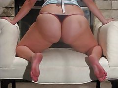 BBW shakes her fat ass to music tubes