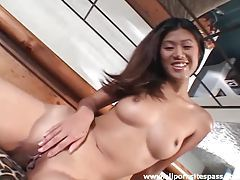 Chatty chicks in the nude show off tubes