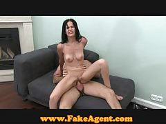 FakeAgent Raven hair amateur gets spunk in her eye tubes