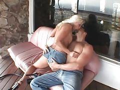 Bleach blonde Nicki Hunter sucks dick outdoors tubes