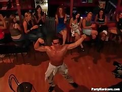 Man dances for hot ladies at the club tubes