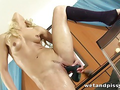 Uma Zex gets her pussy nice and wet tubes