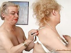 Granny goes down on sexy old pussy tubes