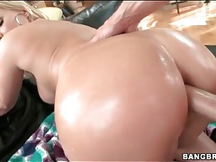 Lubed lady with a big ass fucked in the butthole tubes