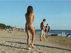 Spy nude girl picked up by voyeur cam at nude beach tubes