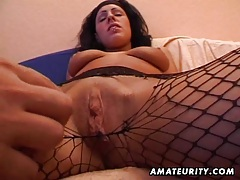 Amateur girlfriend sucks and fucks with cumshot tubes