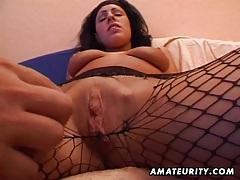 Amateur girlfriend sucks and fucks with cumshot tubes