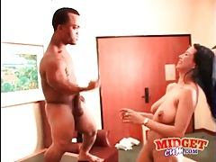 Pussy eating midget gets a hot blowjob tubes