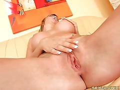 Finger fucking blonde goddess with big titties tubes