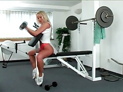 Blonde sylvia saint works out and strips tubes
