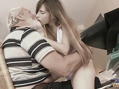 Cute wounded girl tries a sexual treatment tubes