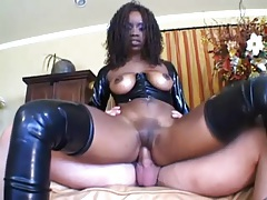 Black girl in sexy black latex does anal tubes