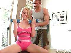 Girl stops workout to suck on his balls tubes