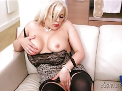 Bimbo babe makes booty call and gets licked tubes