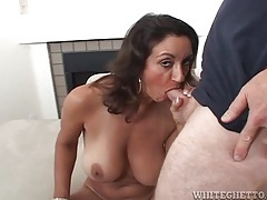 Milf he eats out turns around to suck his dick tubes