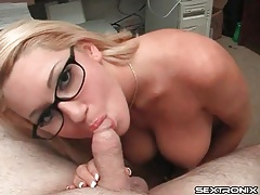 Cocksucking curvy nerd in a pair of glasses tubes