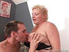 Titjob from a fat mature slut that loves cock tubes